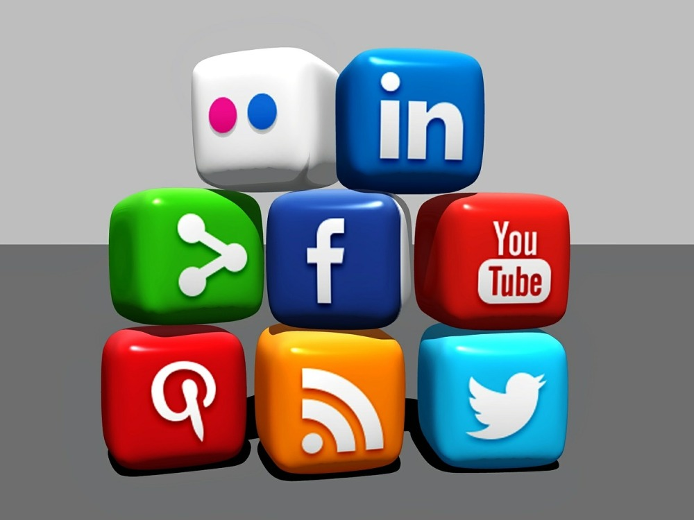 integrating social media and print media marketing